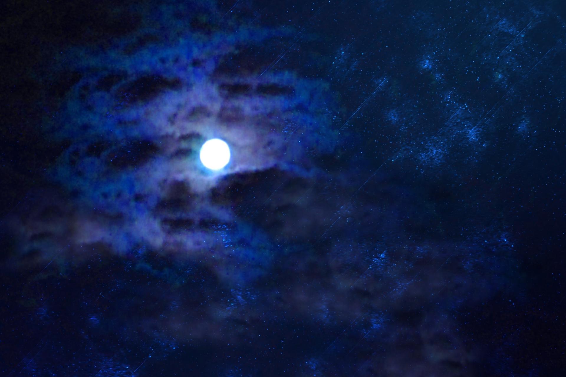 石垣島のナイトツアーで綺麗に見える月