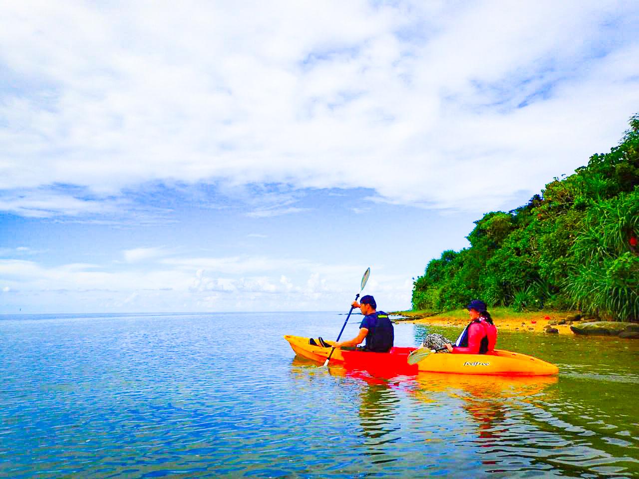 川平湾でのシーカヤックアクティビティ
