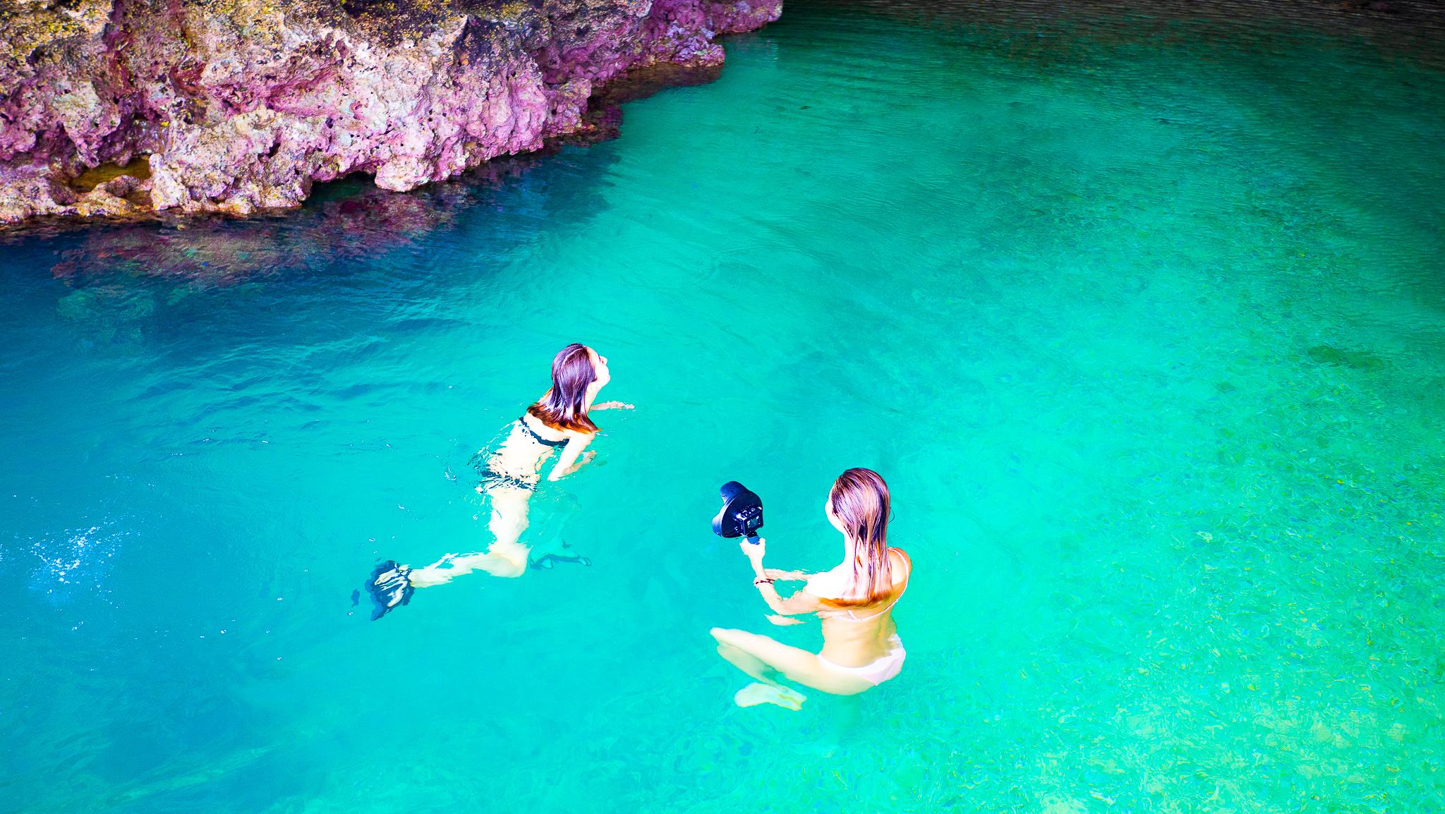 女子旅でGOPROを持って青の洞窟シュノーケル