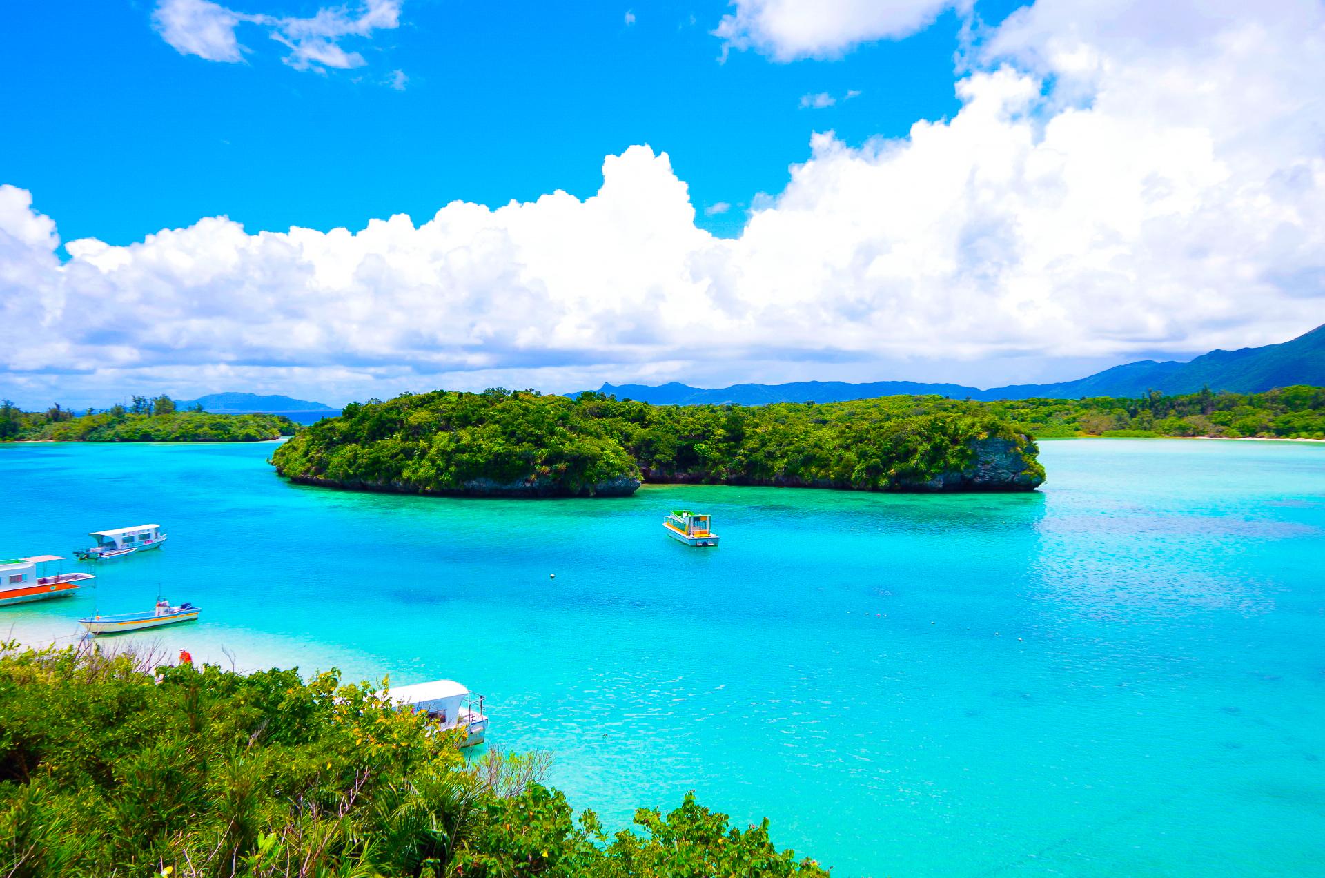 石垣島一の絶景を誇る川平湾