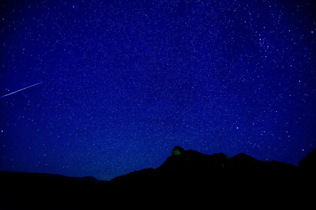 空一面を埋め尽くす石垣島の星空