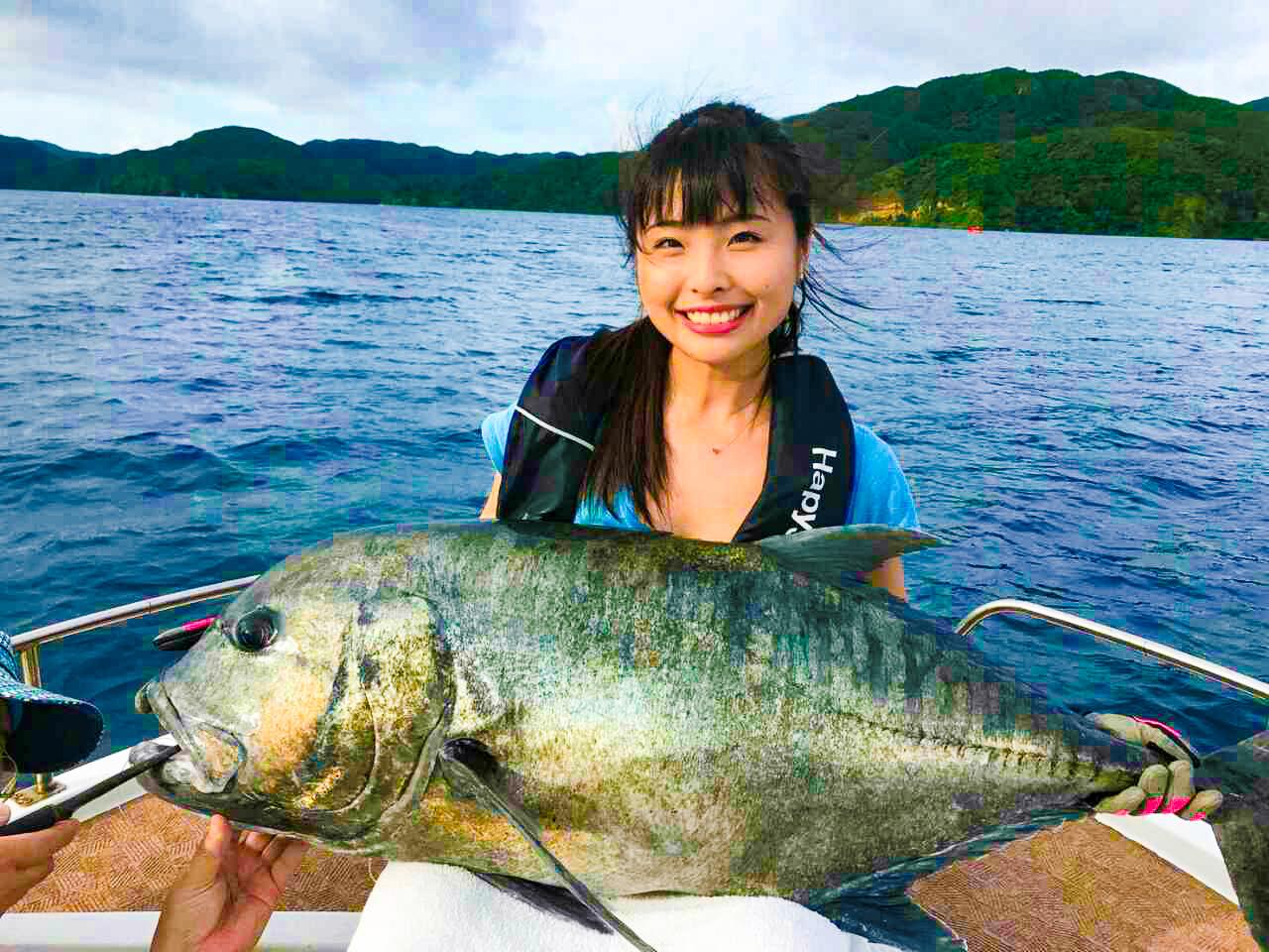 巨大なお魚を石垣島近海で釣る