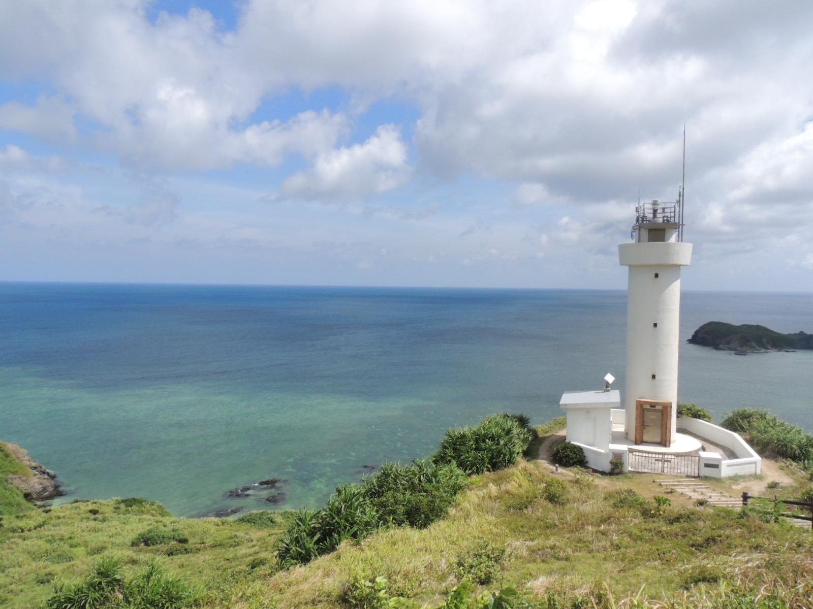 灯台が美しい平久保崎での絶景ドライブ観光