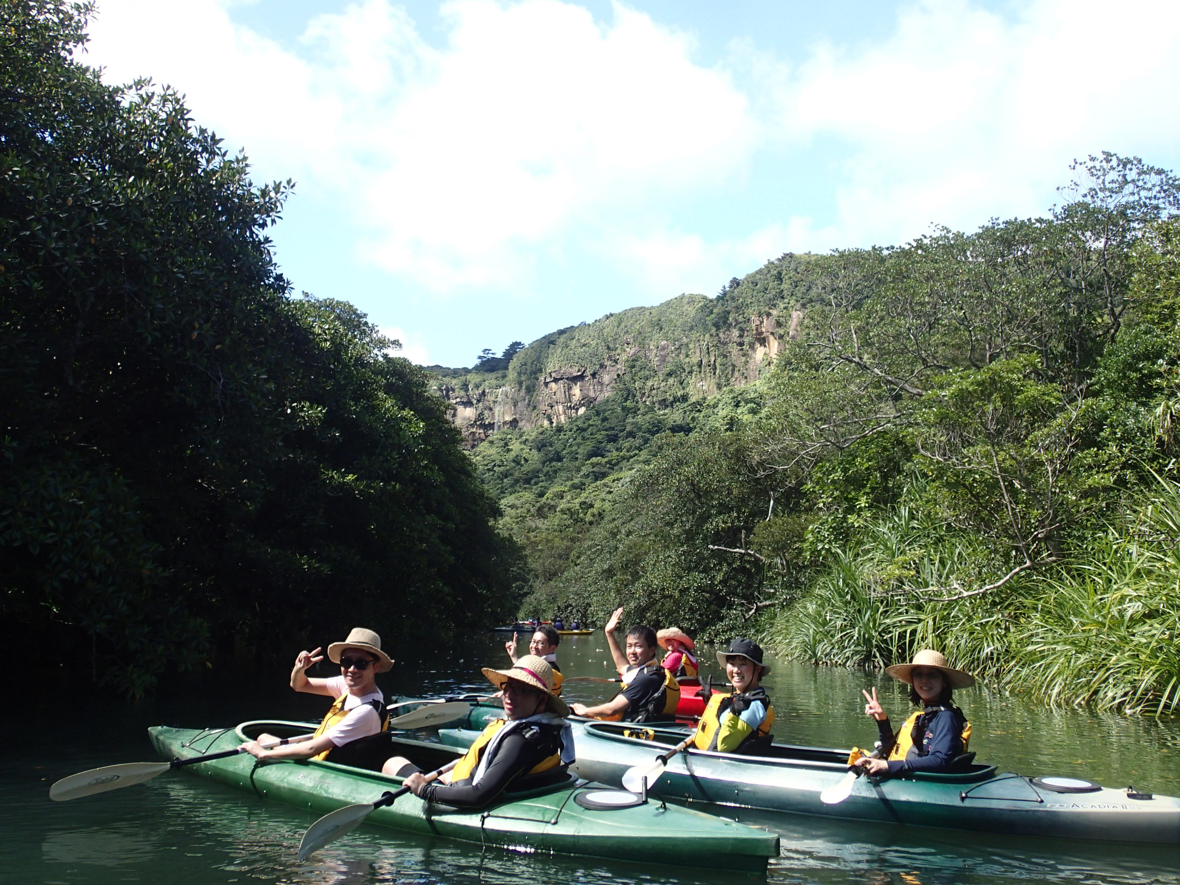 石垣島ジャングルクルーズで縁結びの滝ツアー