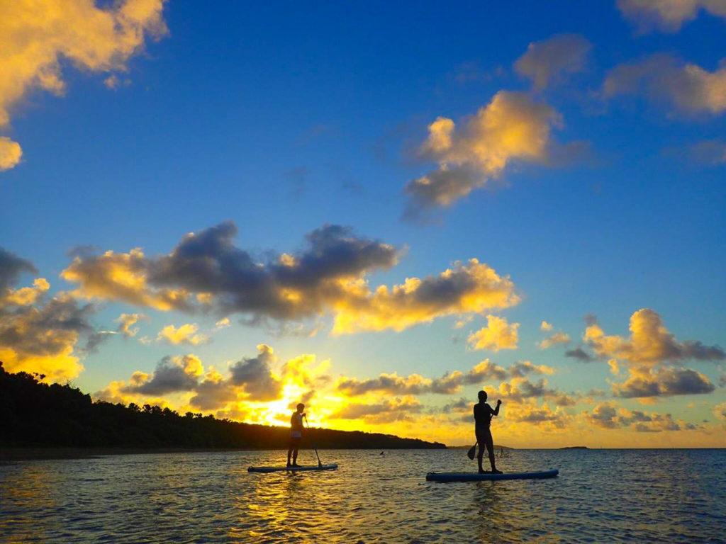 石垣島のサンセットSUPを体験