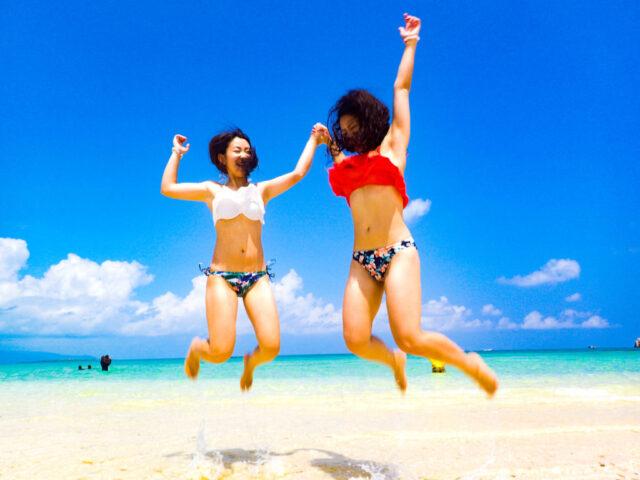 幻の島 浜島で撮影を楽しむ女性2人