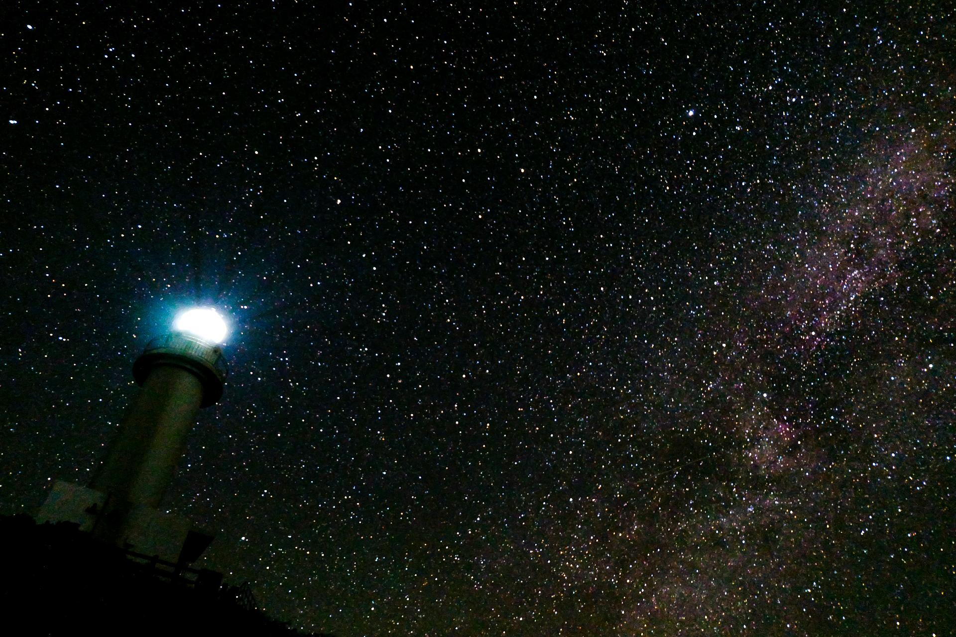 満天の星が広がる石垣島の夜空