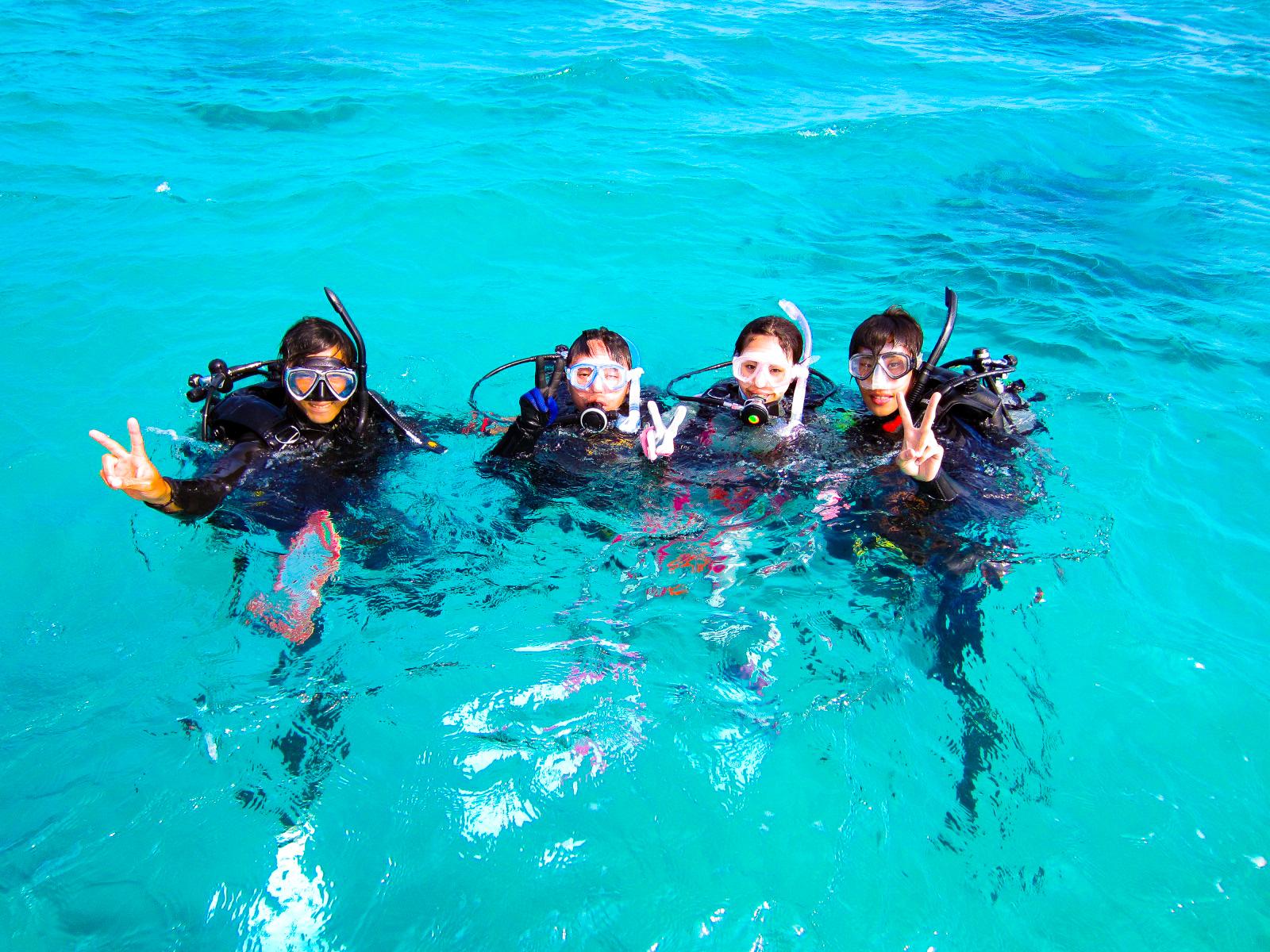 ファミリーで体験ダイビングに参加