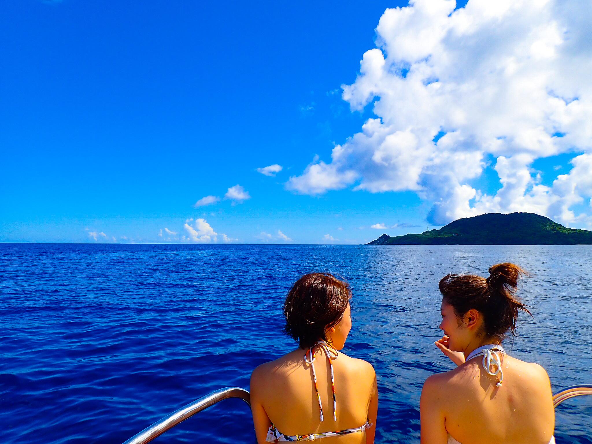 女子旅旅行でフェリーで幻の島浜島へ向かう