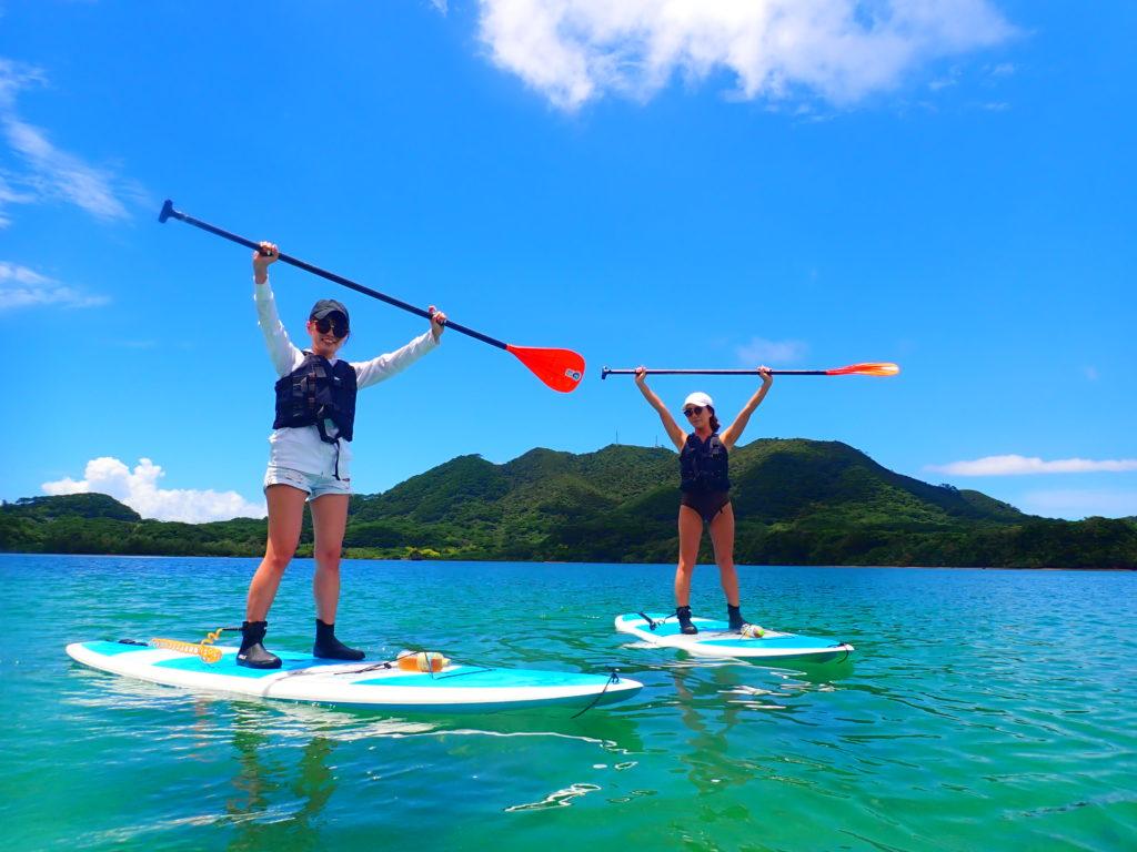 女子旅で川平湾SUPに挑戦