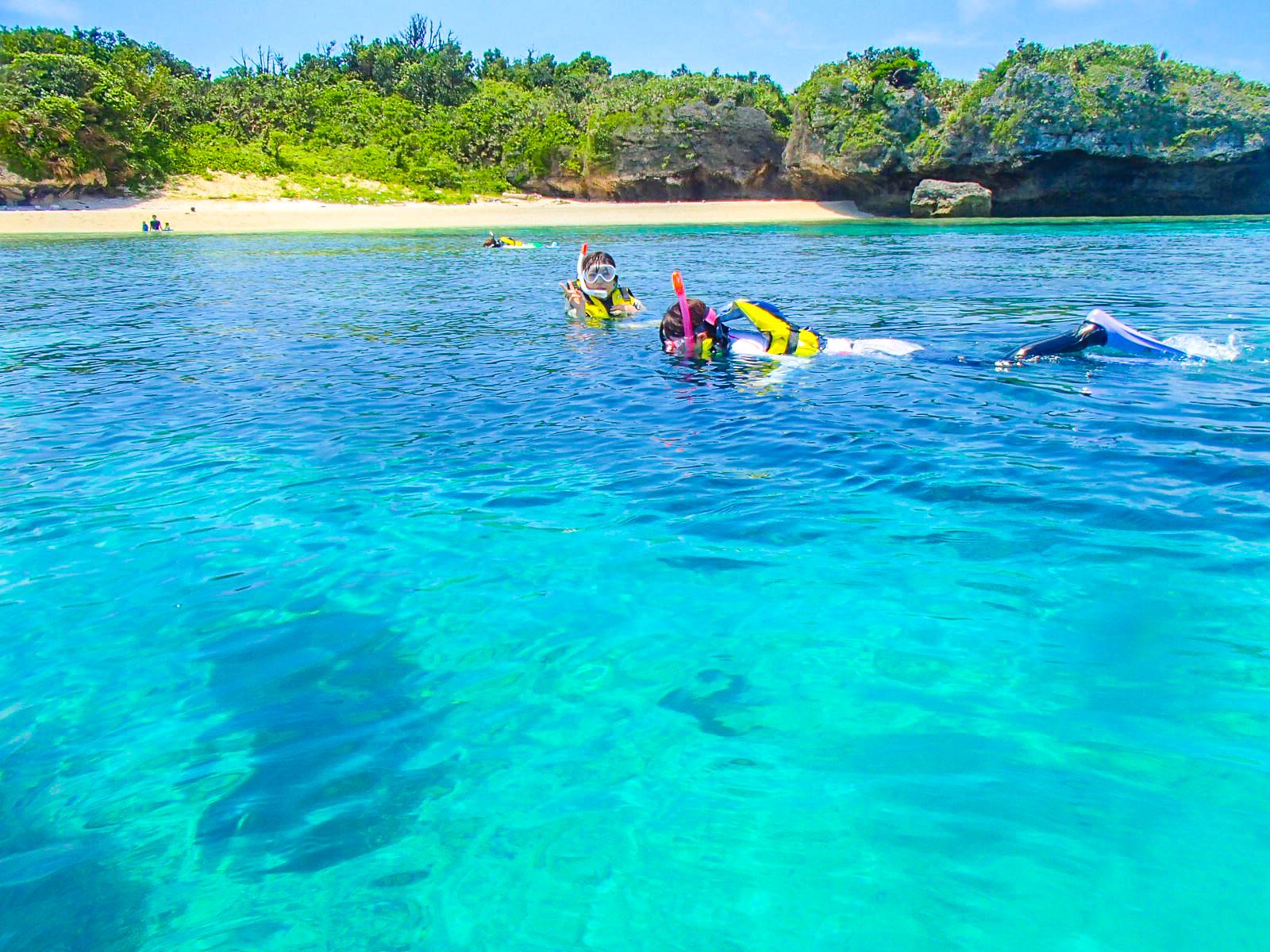 パナリ島でのシュノーケリングツアー