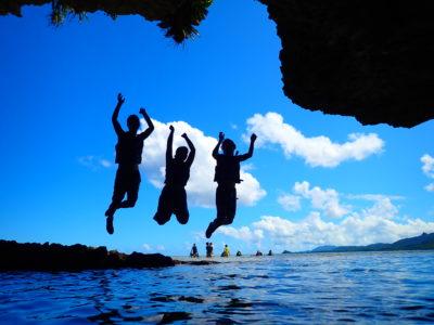 石垣島、青の洞窟シュノーケリング、友達と