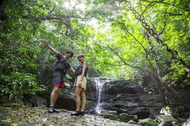 西表島、クーラの滝、ジャングルトレッキング