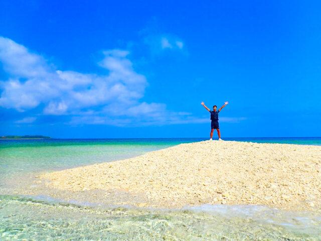 バラス島上陸した観光客