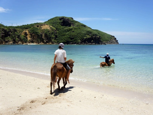 乗馬体験ができるナーマ浜