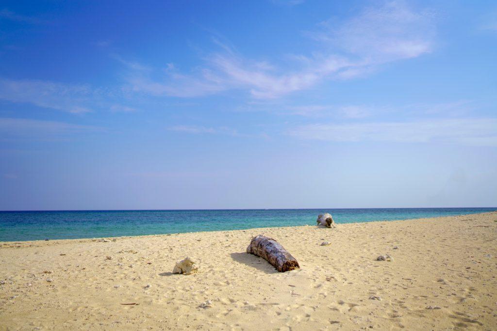 石垣島の秋はビーチコーミングにベストなシーズン