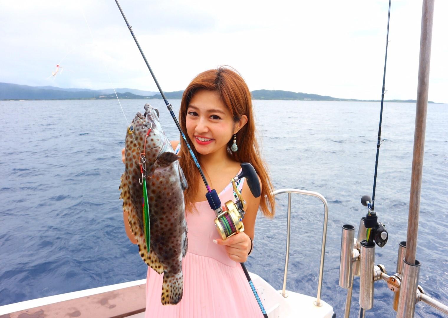 石垣島釣りツアー参加の女性