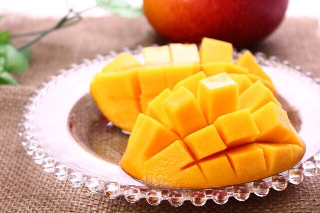 夏に旬のマンゴーフルーツ