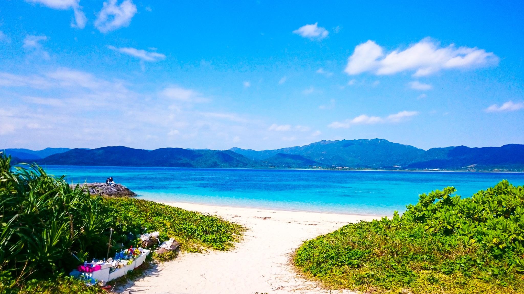対岸の西表島が見える細崎ビーチ
