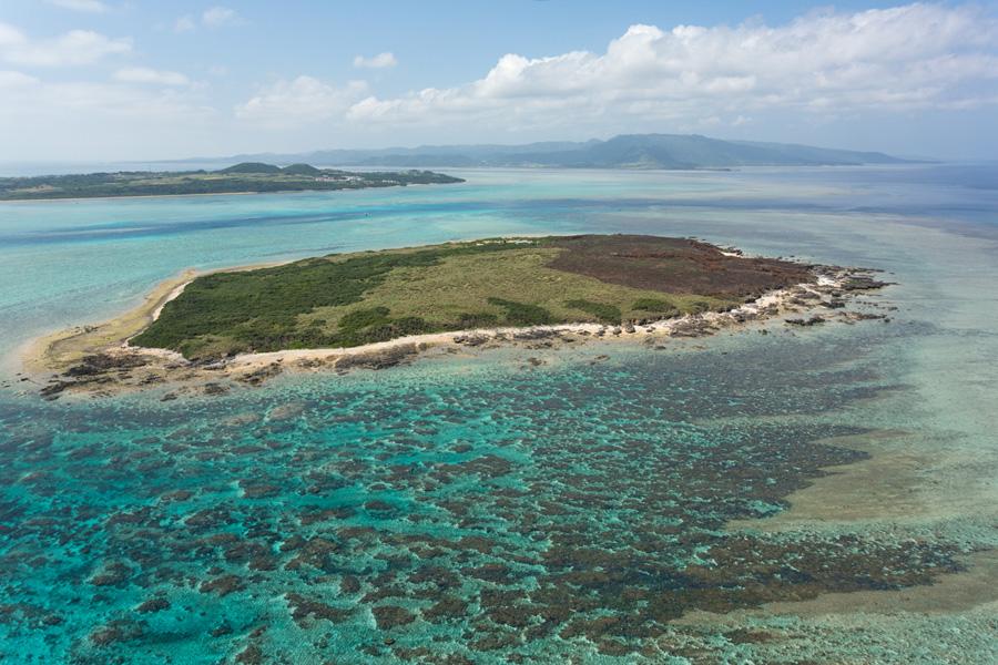 小浜島からフェリーで10分のカヤマ島