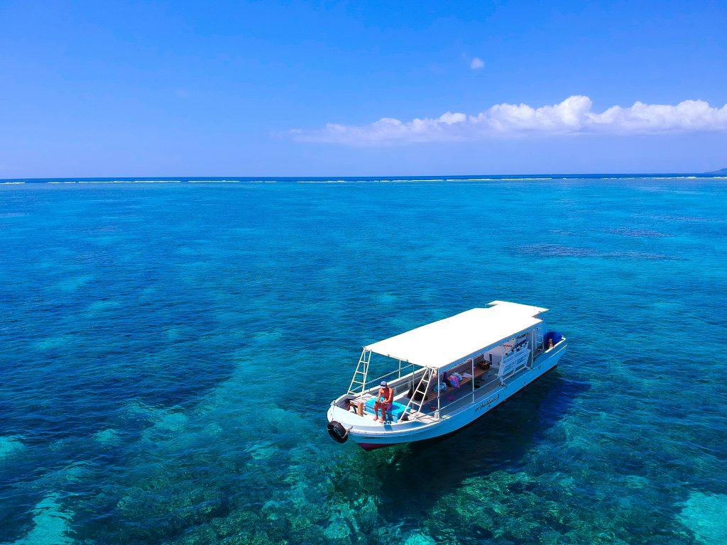 石垣島から小浜島へ向かう船