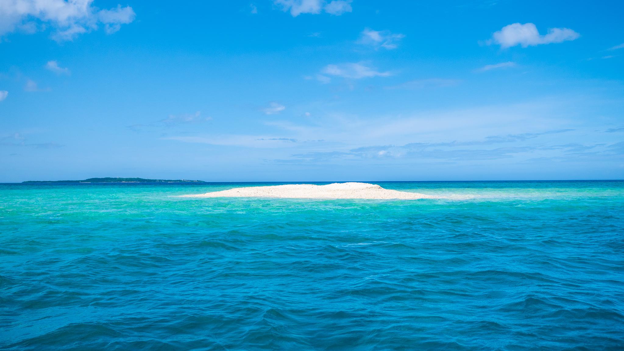 上原港付近のバラス島