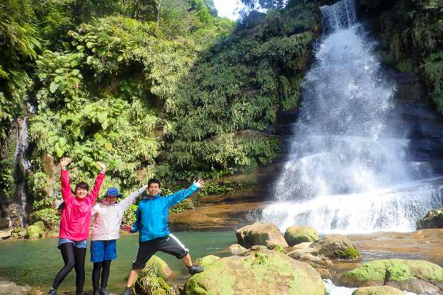 西表島のナーラの滝