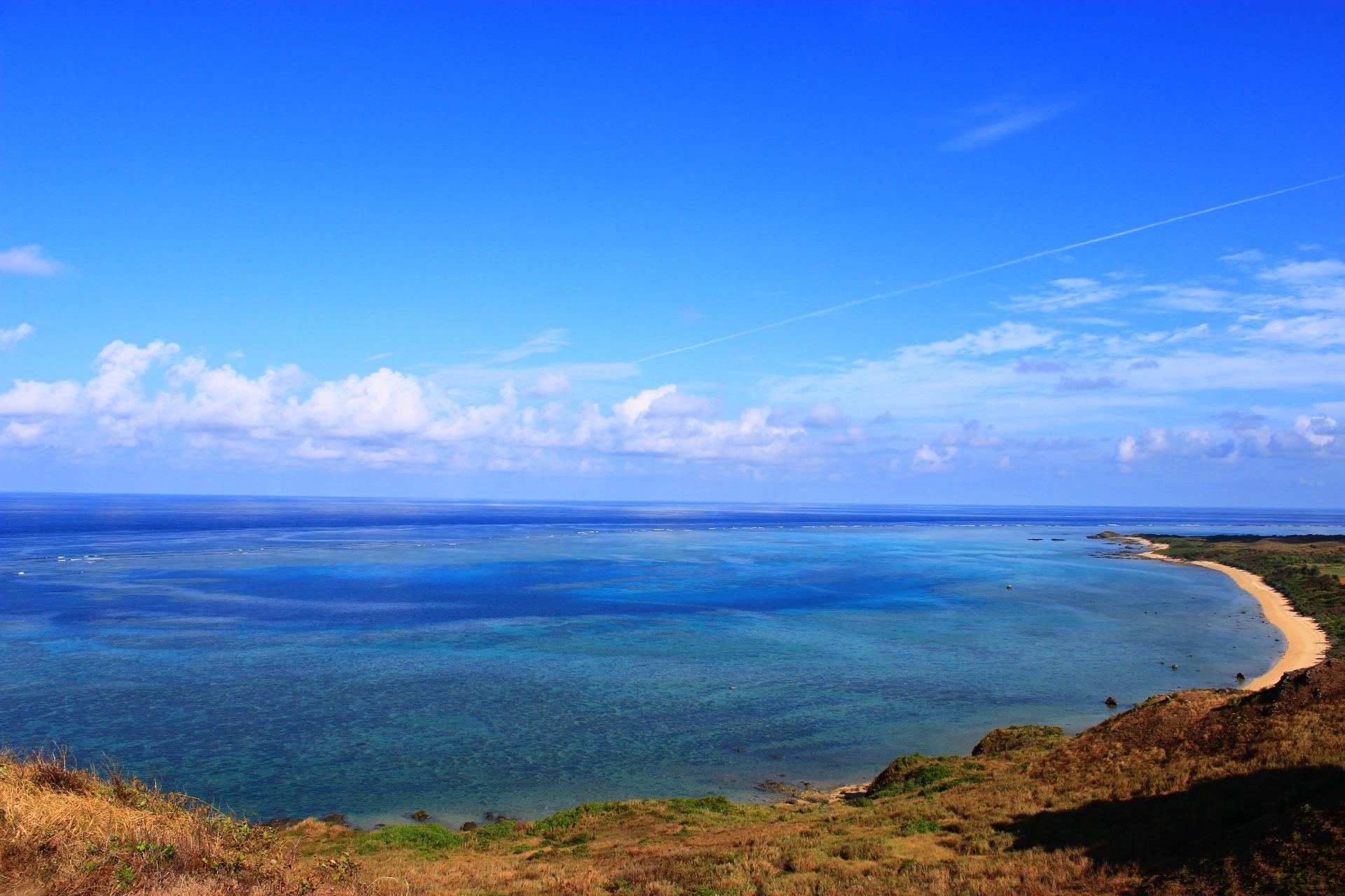 プライベートビーチ気分を味わえる平久保集落先の浜