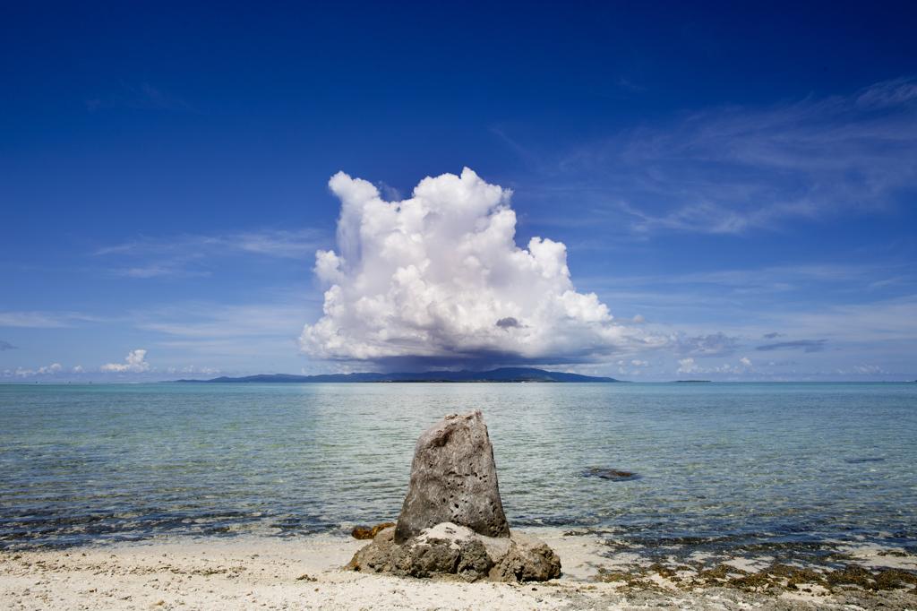 竹富島の神聖なスポットニーラン石