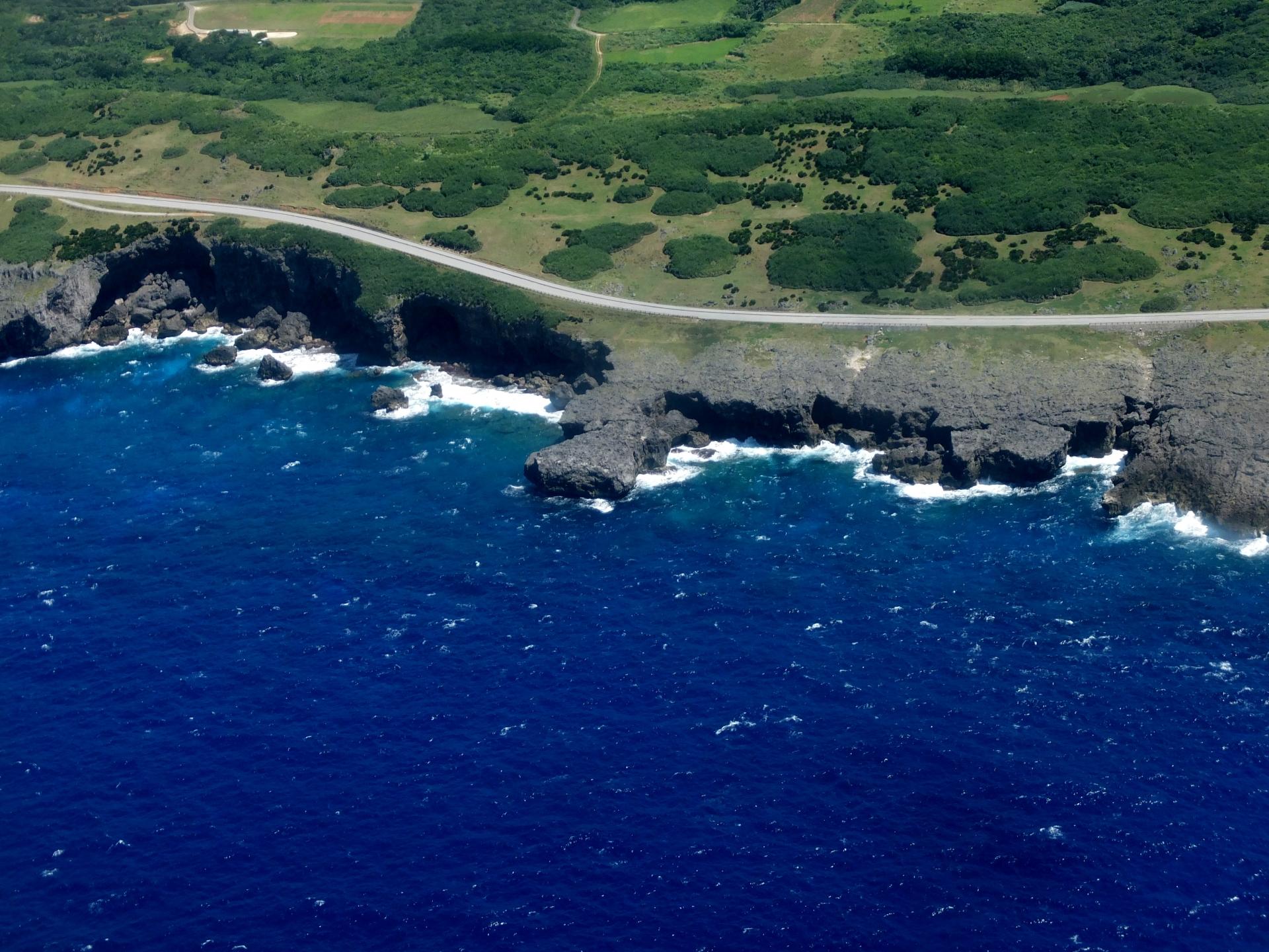 上空から与那国島を撮影