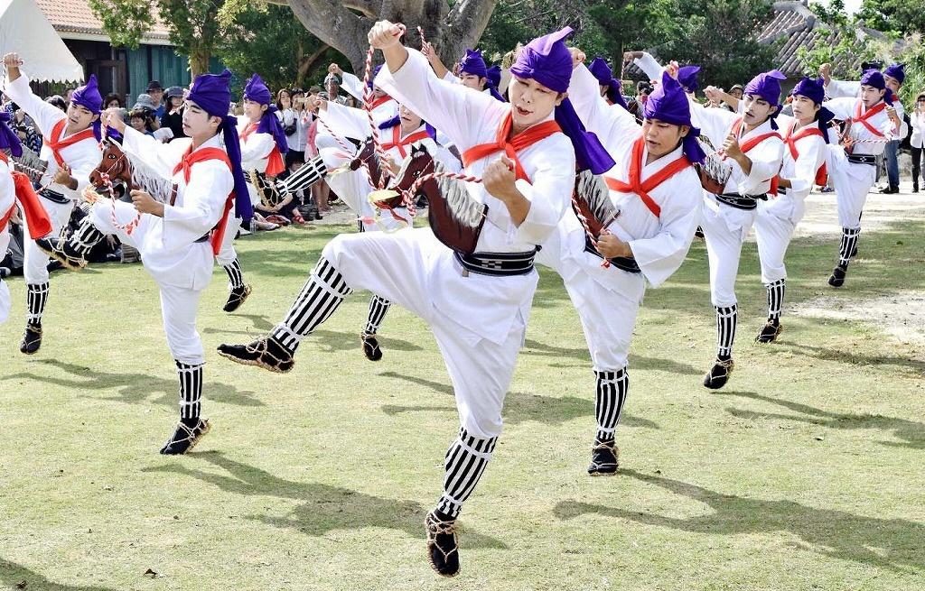 竹富島の500年以上続く伝統行事である種子取祭