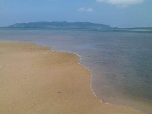名蔵湾のビーチ