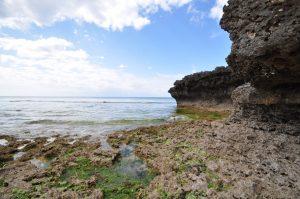干潮時の宮里海岸