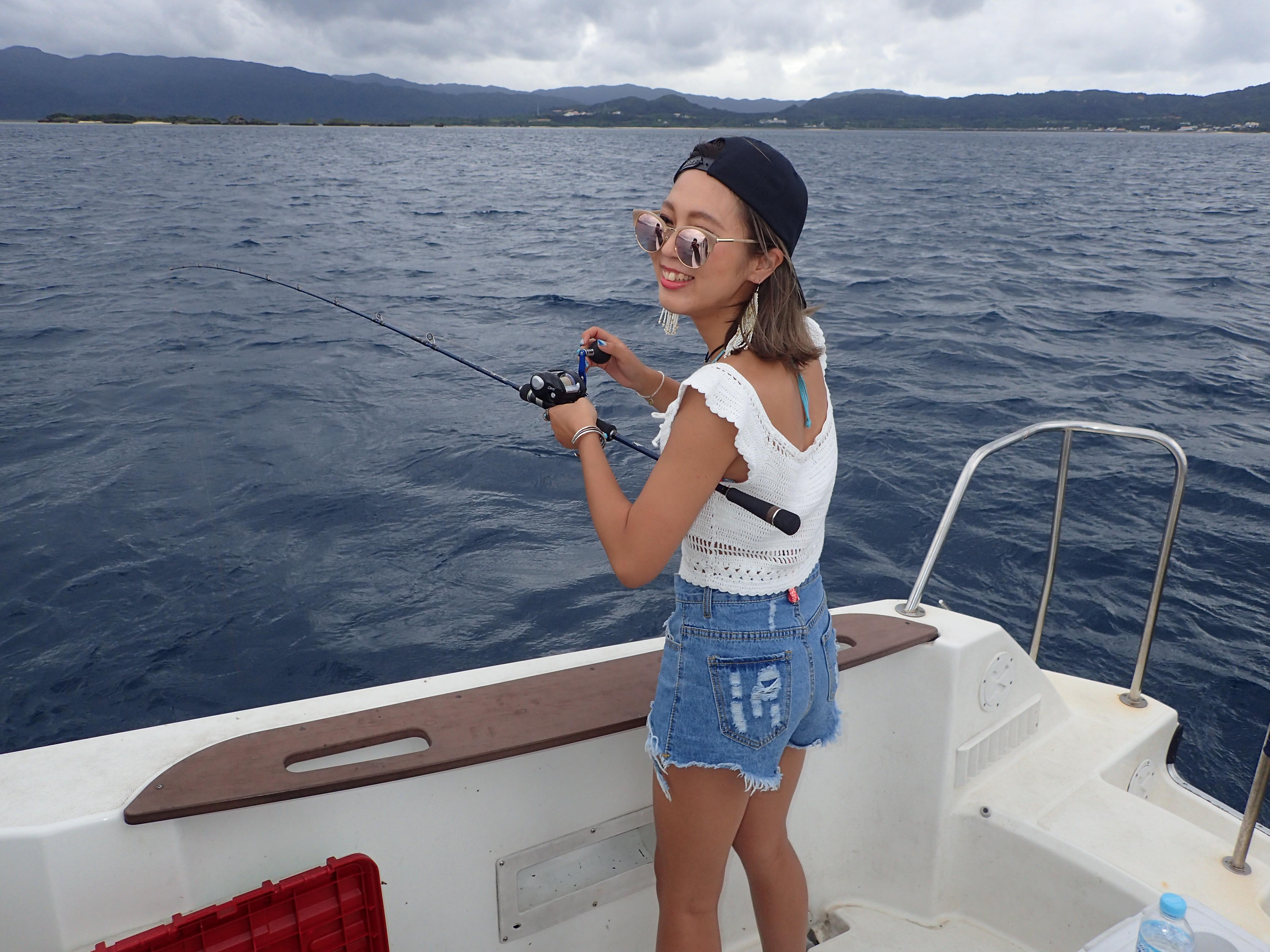石垣島釣りツアーで遊ぶ