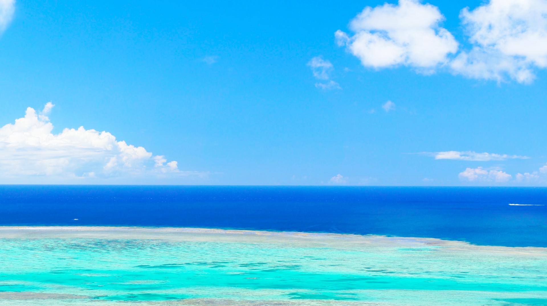 小浜島の海をセーリング