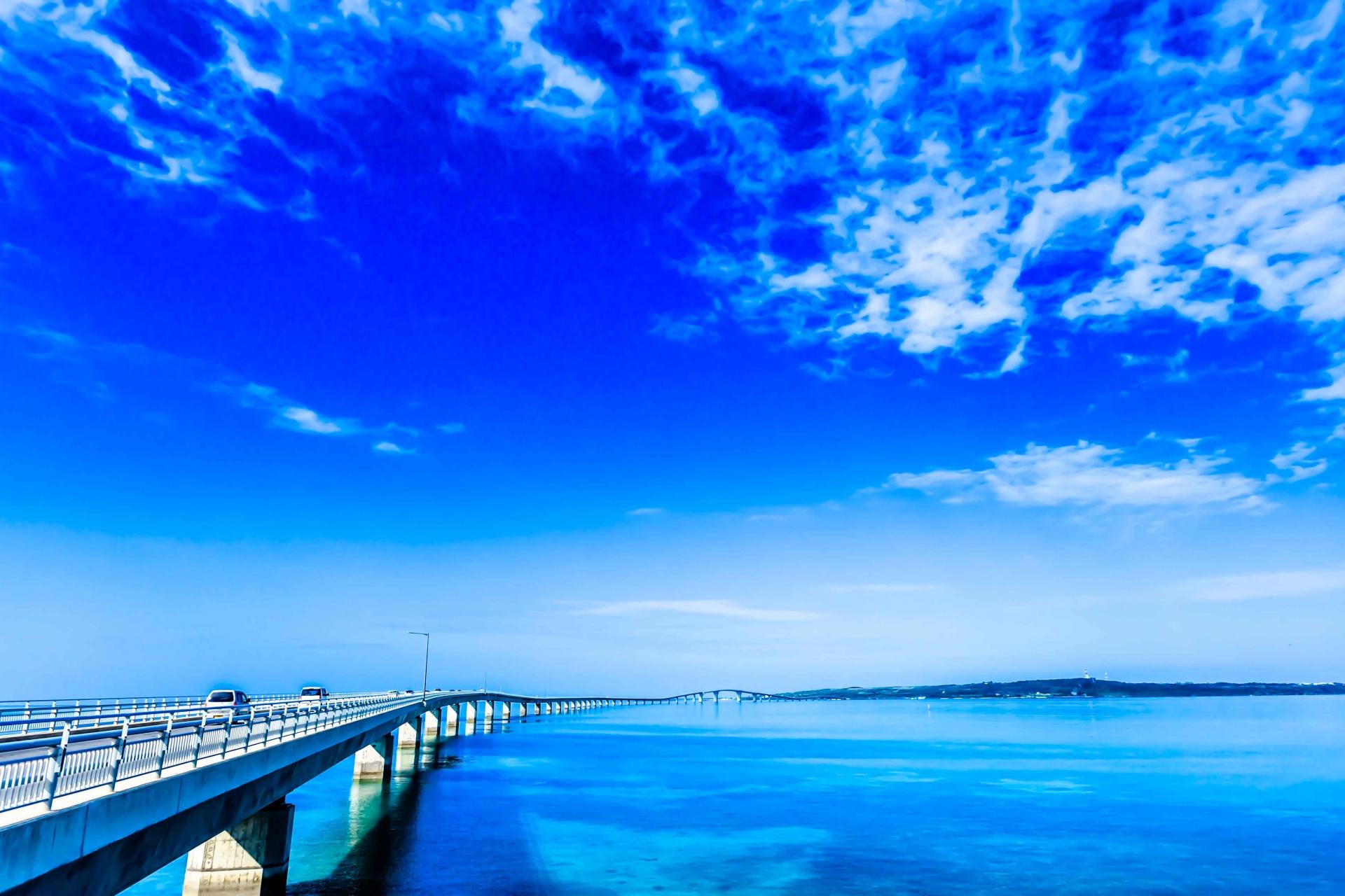 宮古島と伊良部島を繋ぐ伊良部大橋
