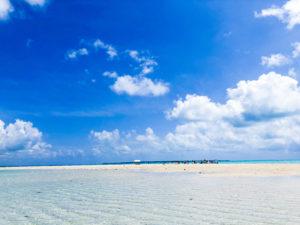 石垣島の海に白く輝く幻の島(浜島)