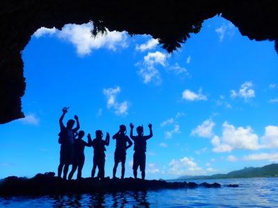 石垣島青の洞窟シュノーケリング、友達と