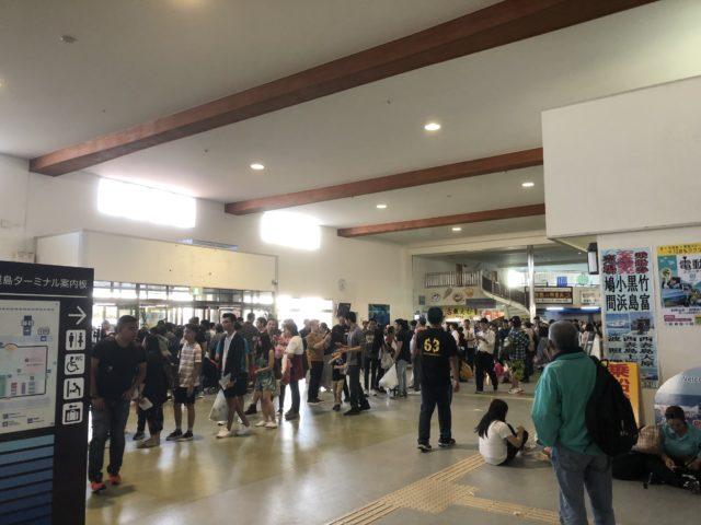 石垣港離島ターミナルの内部