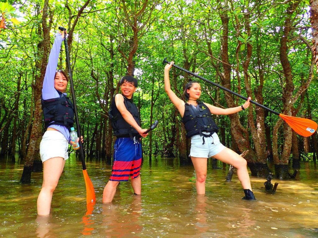 石垣島マングローブSUP、宮良川、友達と