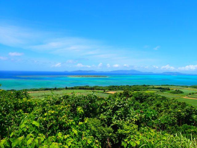 小浜島、大岳から見た海