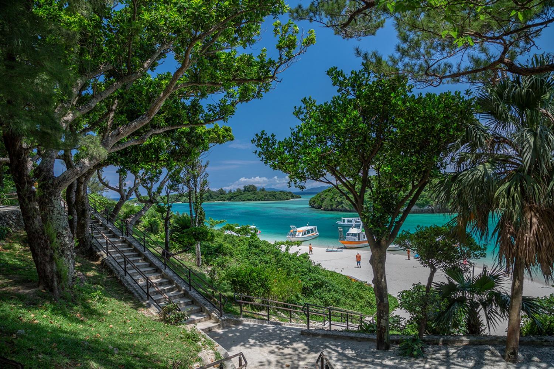 川平湾の風景