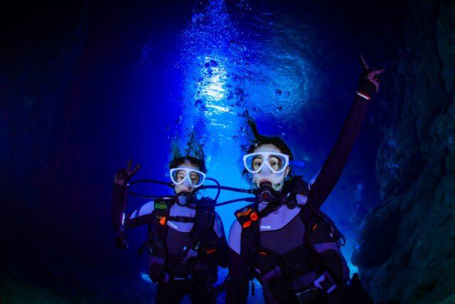沖縄本島 恩納村 青の洞窟 ダイビング
