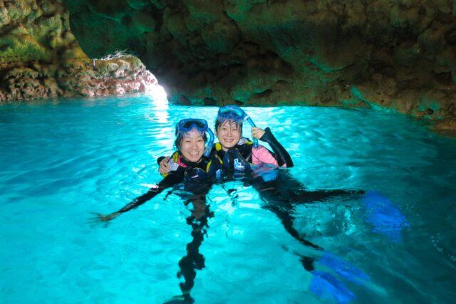 沖縄本島 恩納村 青の洞窟 シュノーケリング