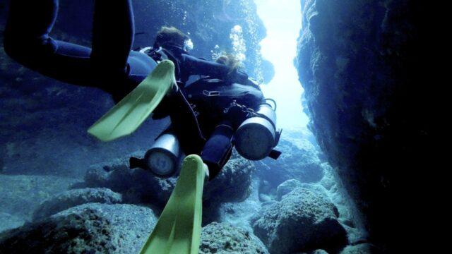 伊良部島 青の洞窟 ダイビング